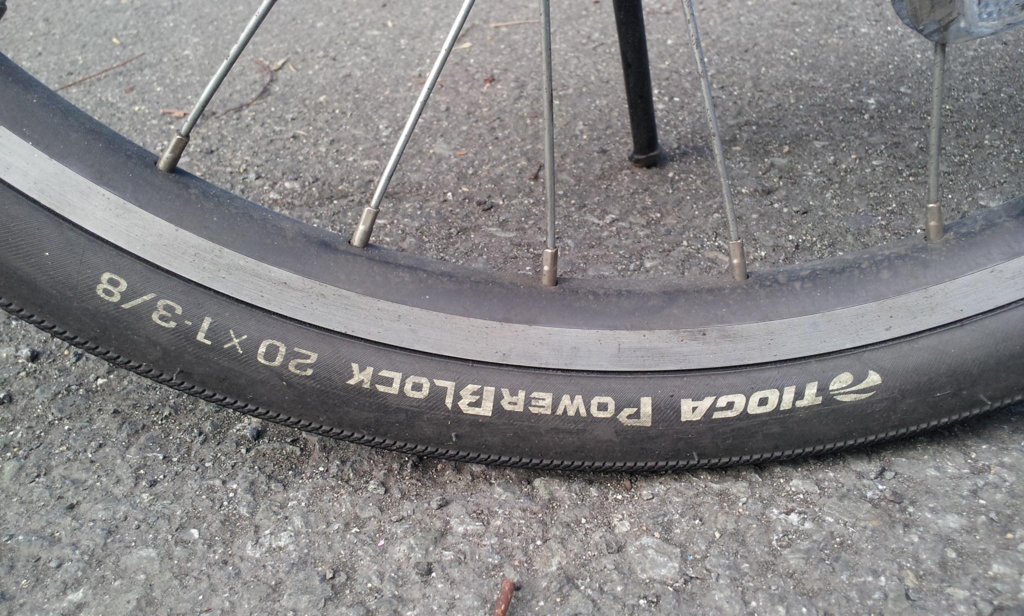 自転車の 自転車ノパンクタイヤ交換 : pas city-xの欠点はタイヤ?
